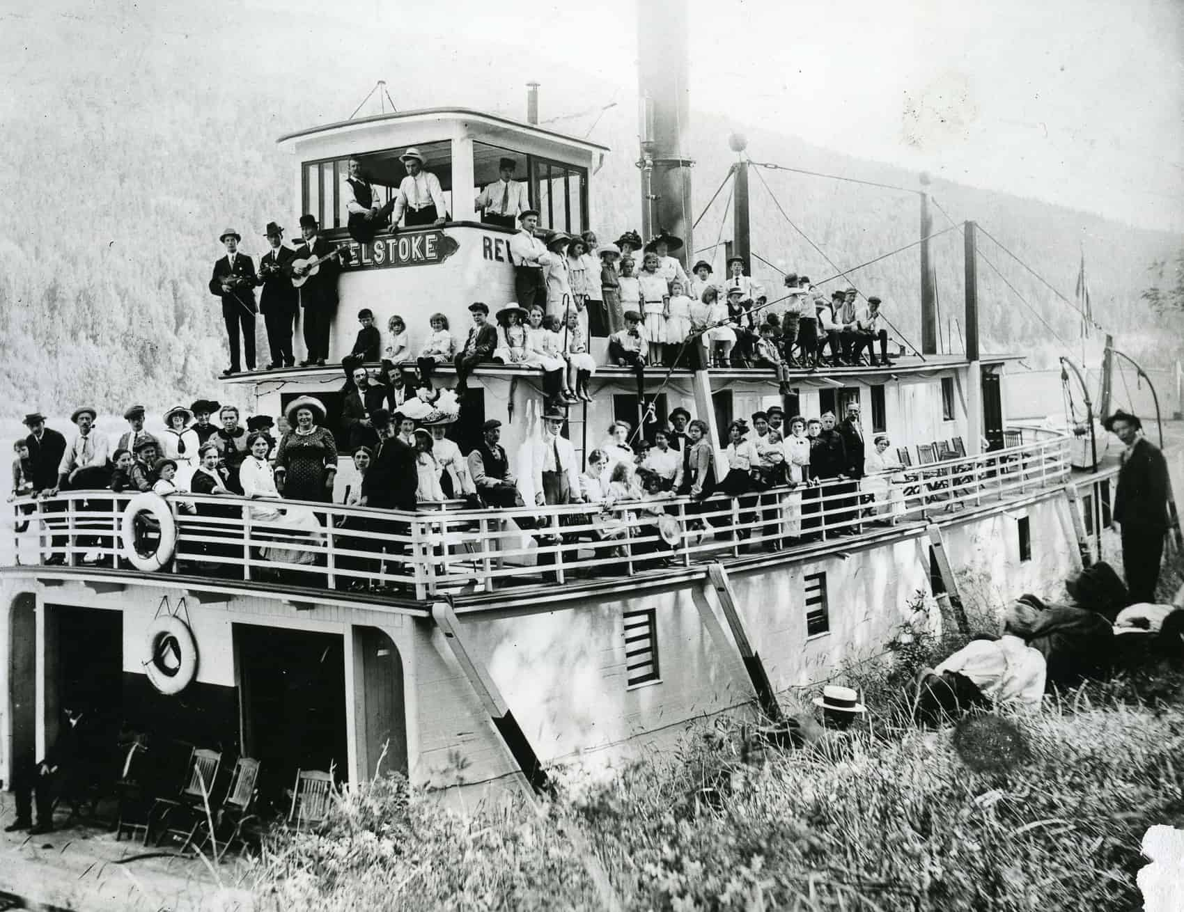 About Revelstoke - Third image section - Historic Revelstoke steam ship on Columbia River